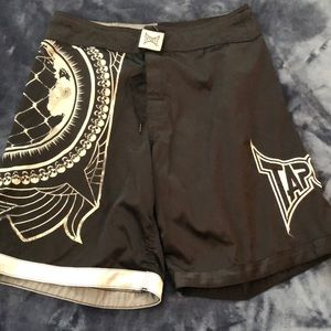 Tapout men's shorts. Size 32
